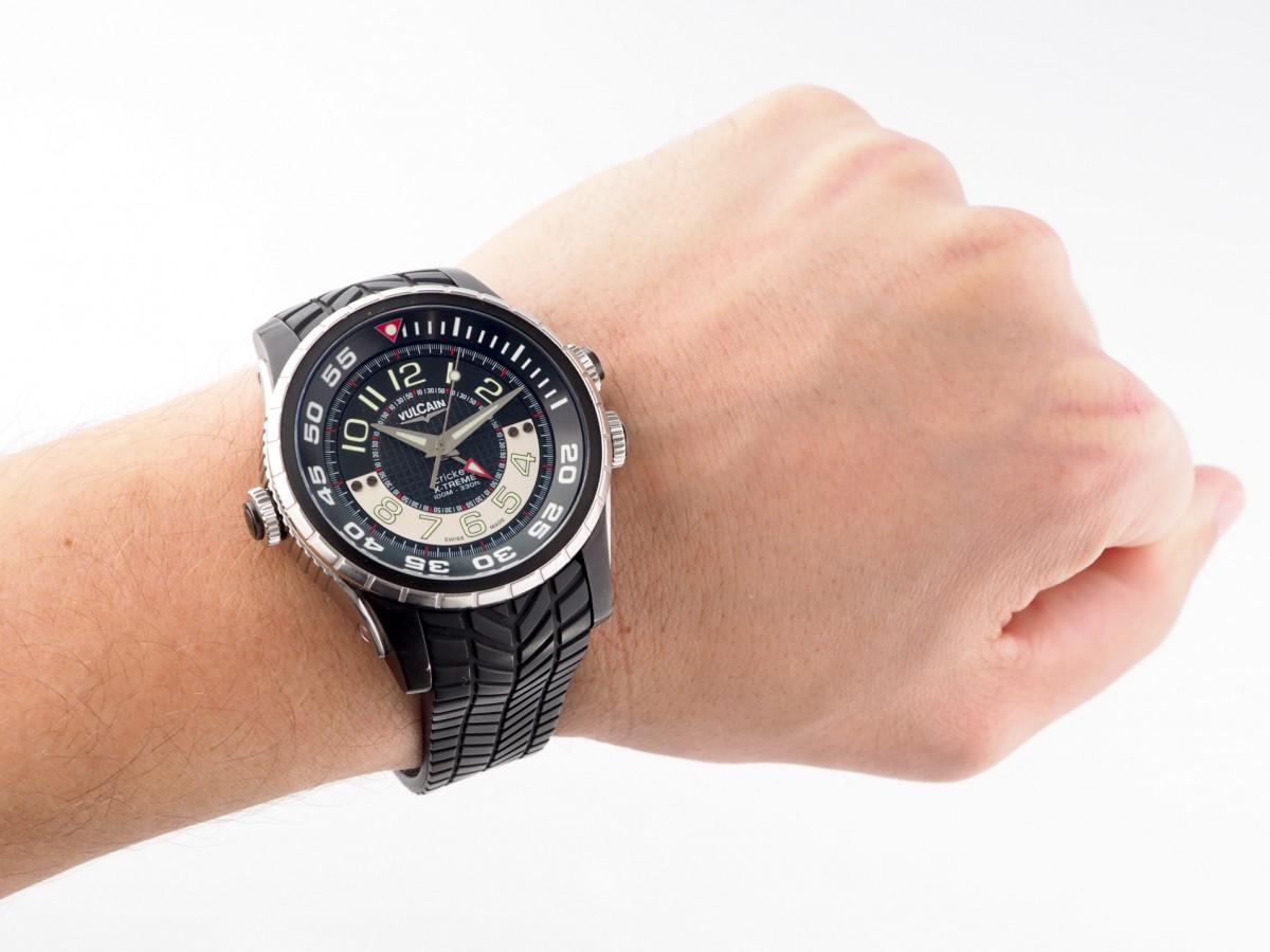 Швейцарские часы Vulcain Cricket Aviator Diver X-Treme