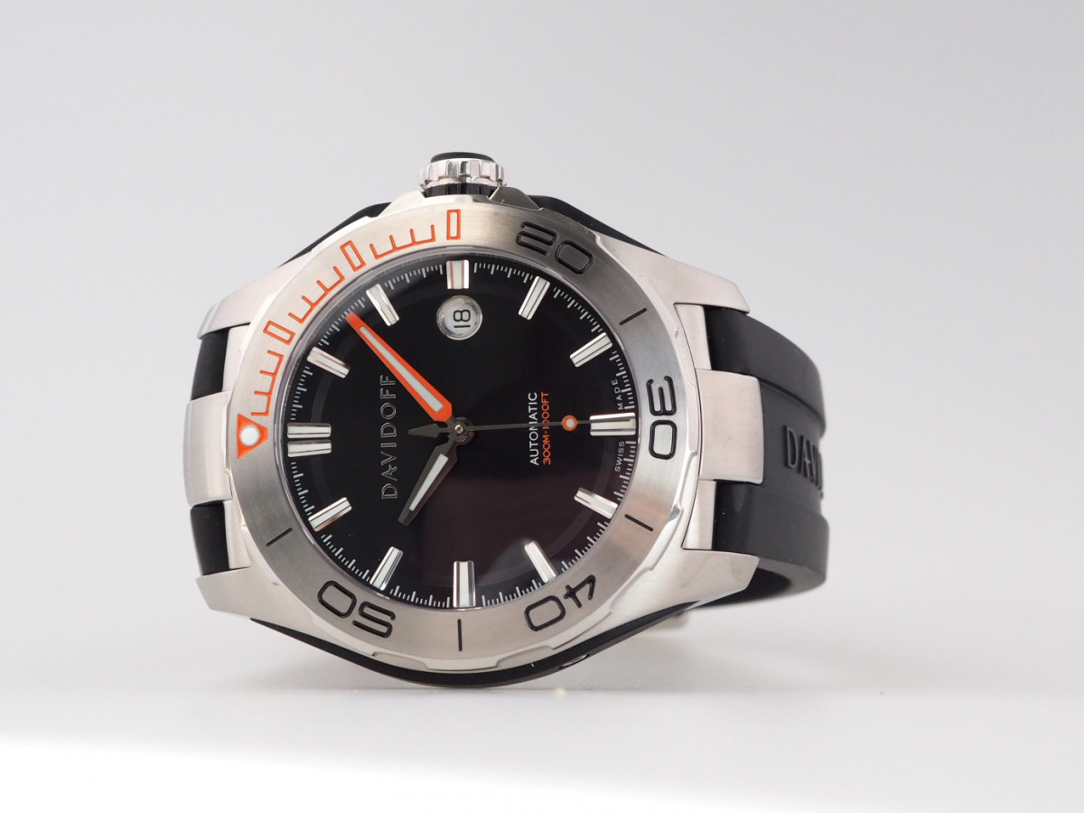 Швейцарские часы Davidoff Velocity Diver Black Dial Rubber Strap