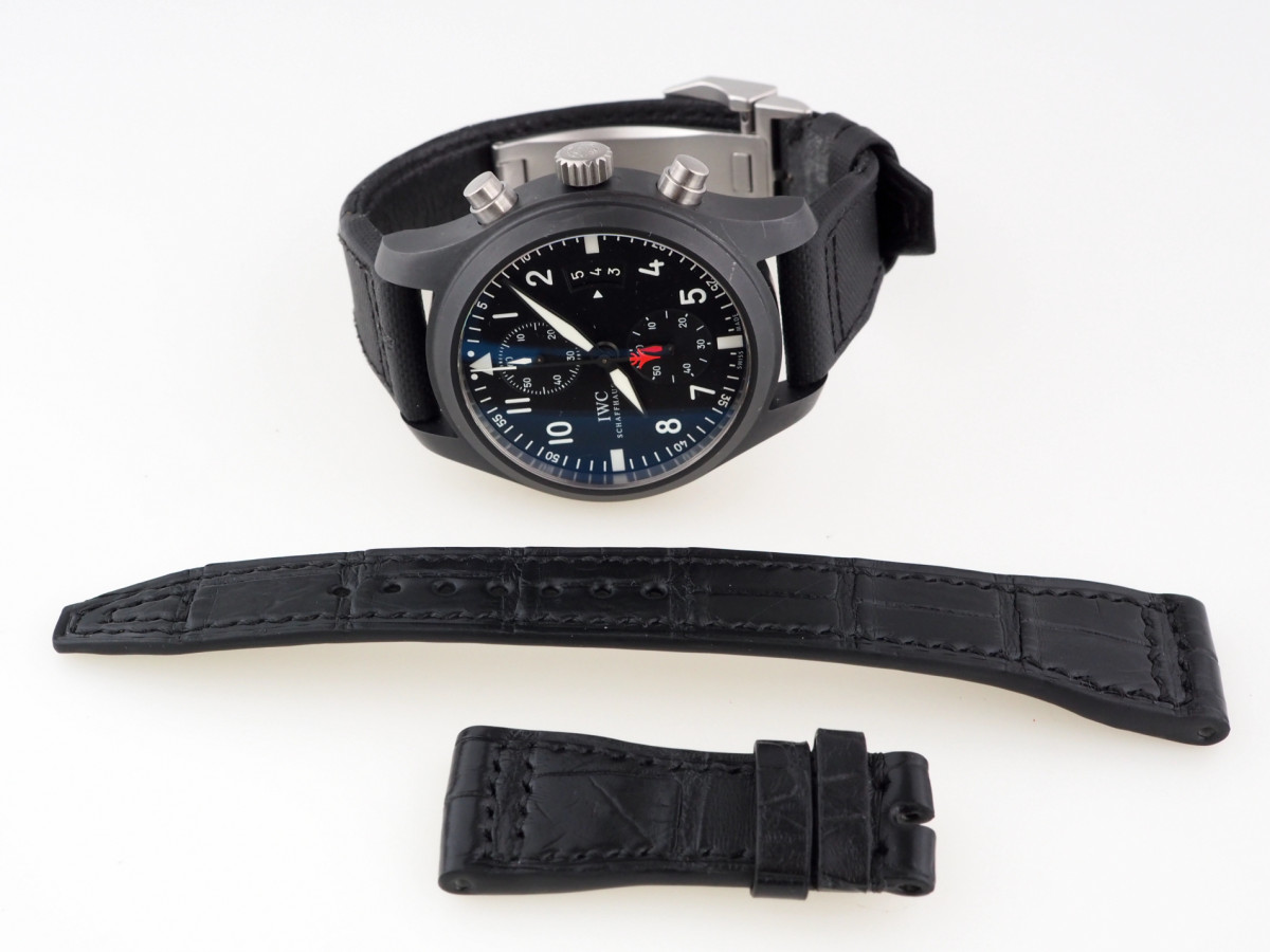 Швейцарские часы IWC Pilot Top Gun Ceramic Chronograph