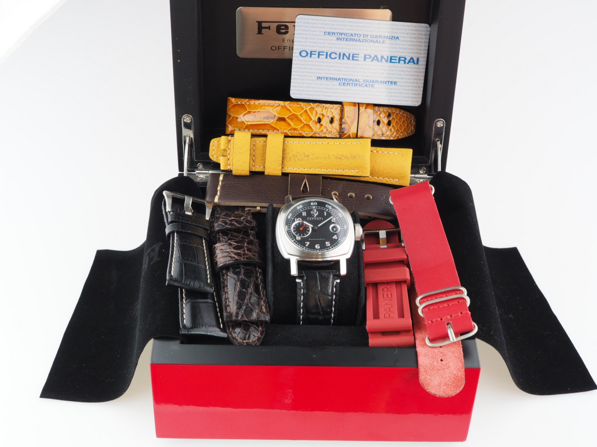 Швейцарские часы Panerai Ferrari Granturismo