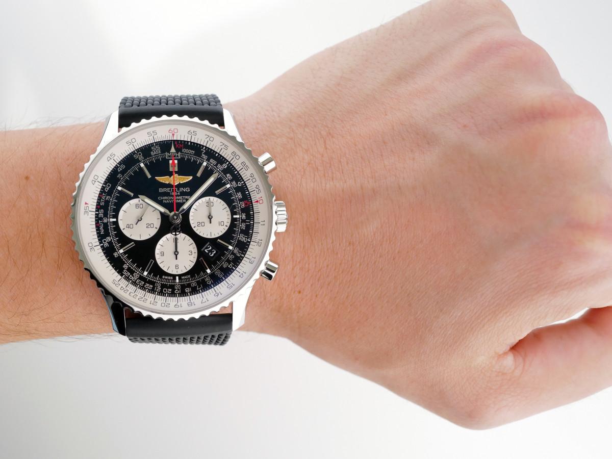 Швейцарские часы Breitling Navitimer 1 B01 Chronograph