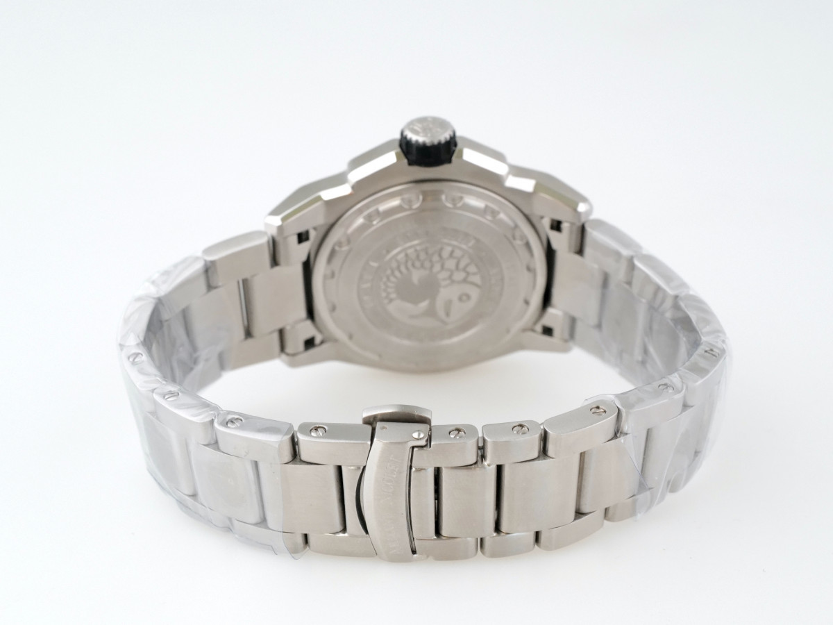 Швейцарские часы Armand Nicolet JS9 GMT Diver