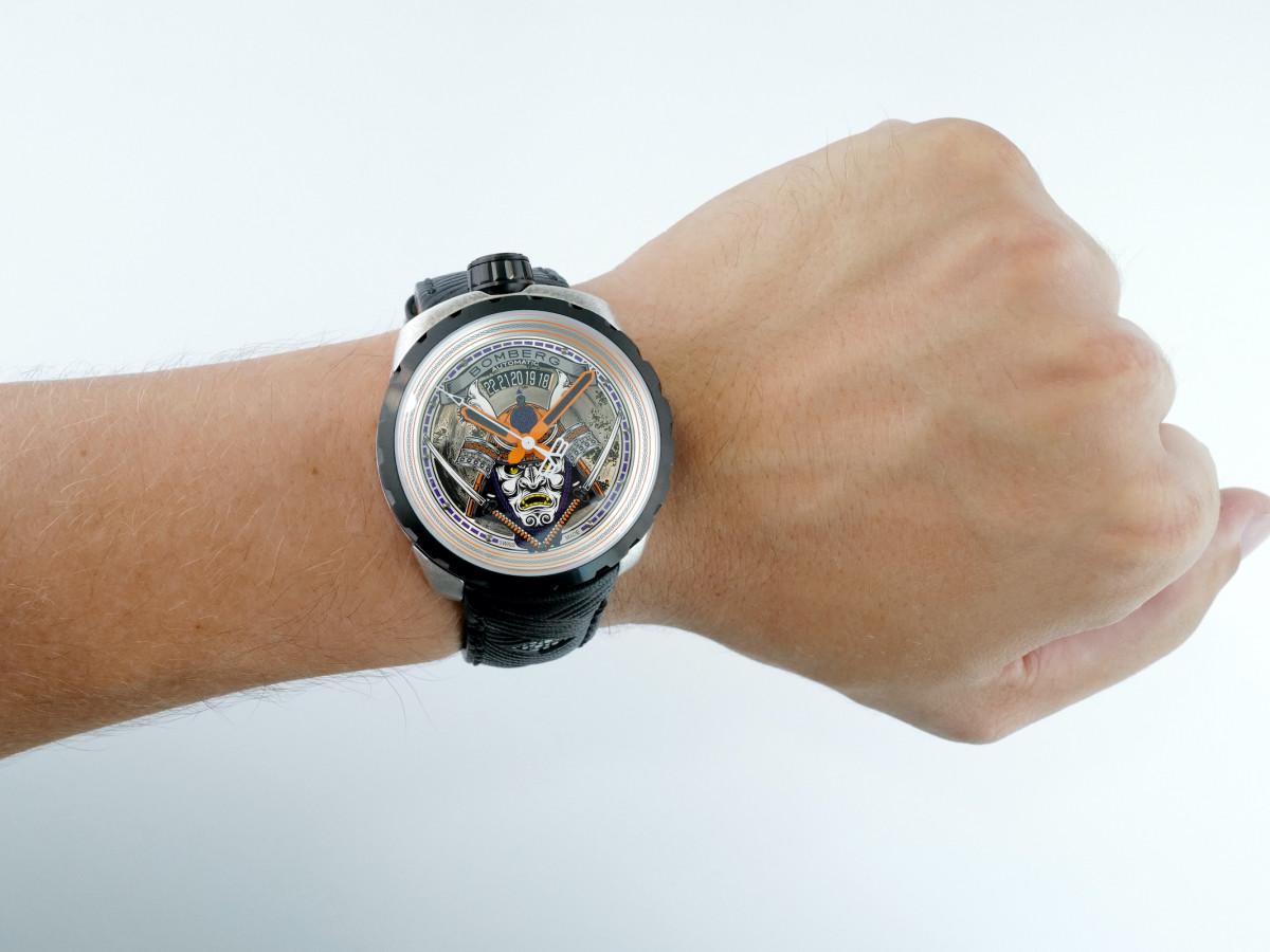 Швейцарские часы Bomberg Bolt-68 Samurai PVD