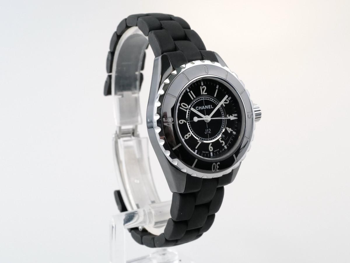 Швейцарские часы Chanel J12 Quartz Midsize
