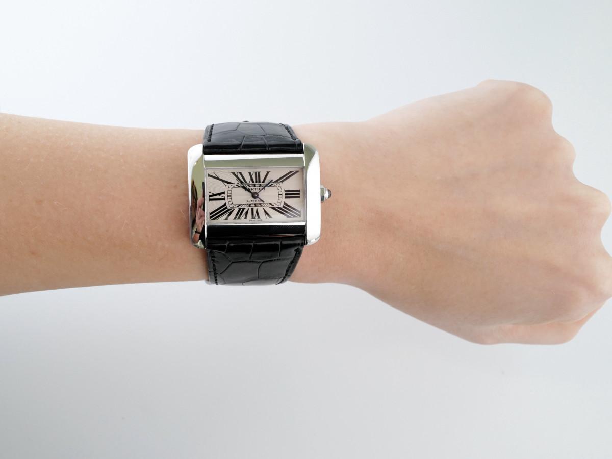 Швейцарские часы Cartier Tank Divan