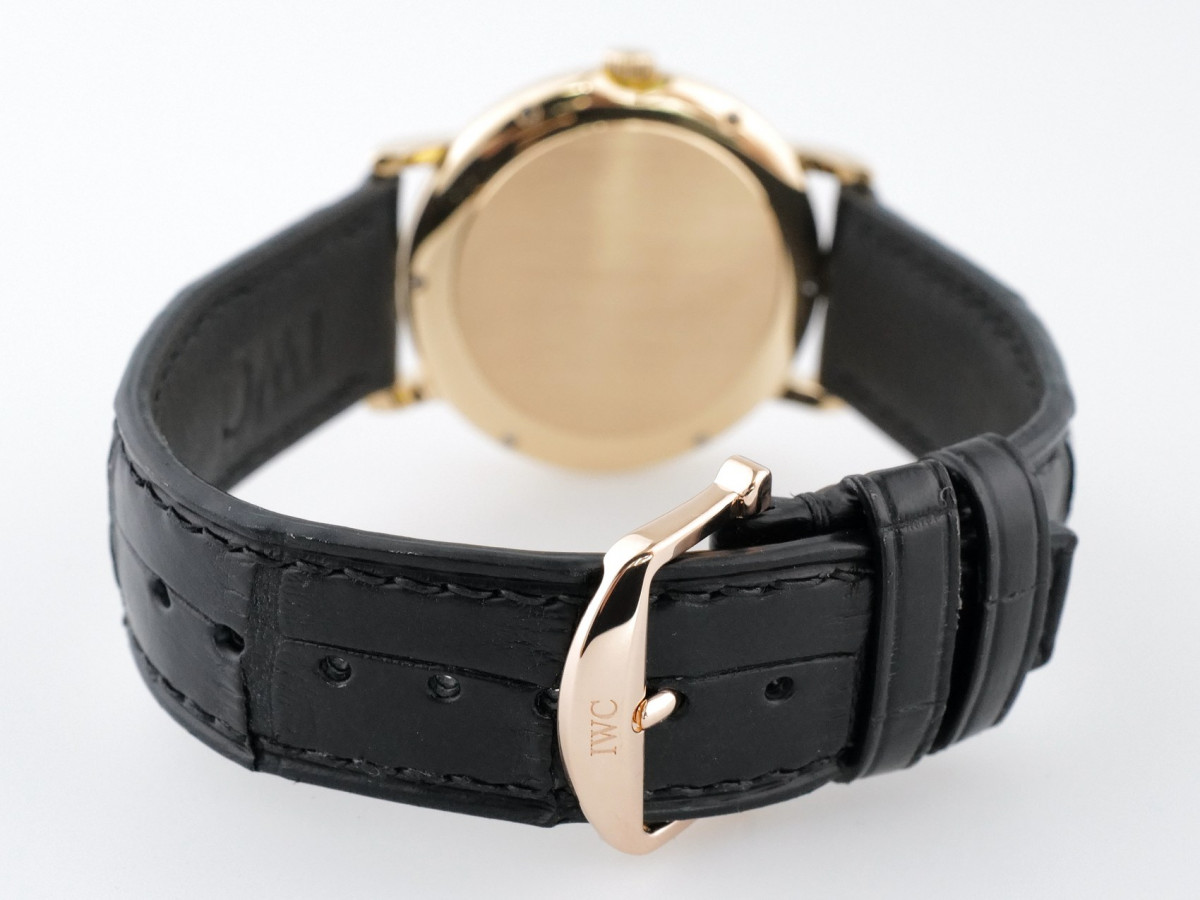 Швейцарские часы IWC Portofino 18K Yellow Gold