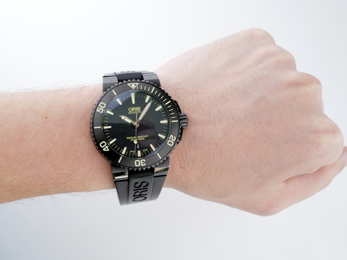 Швейцарские часы Oris Aquis Date
