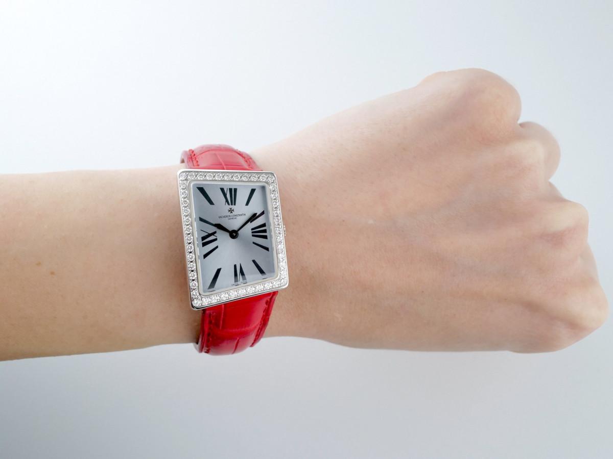 Швейцарские часы Vacheron Constantin 1972 Asymmetric 18K Gold Diamonds