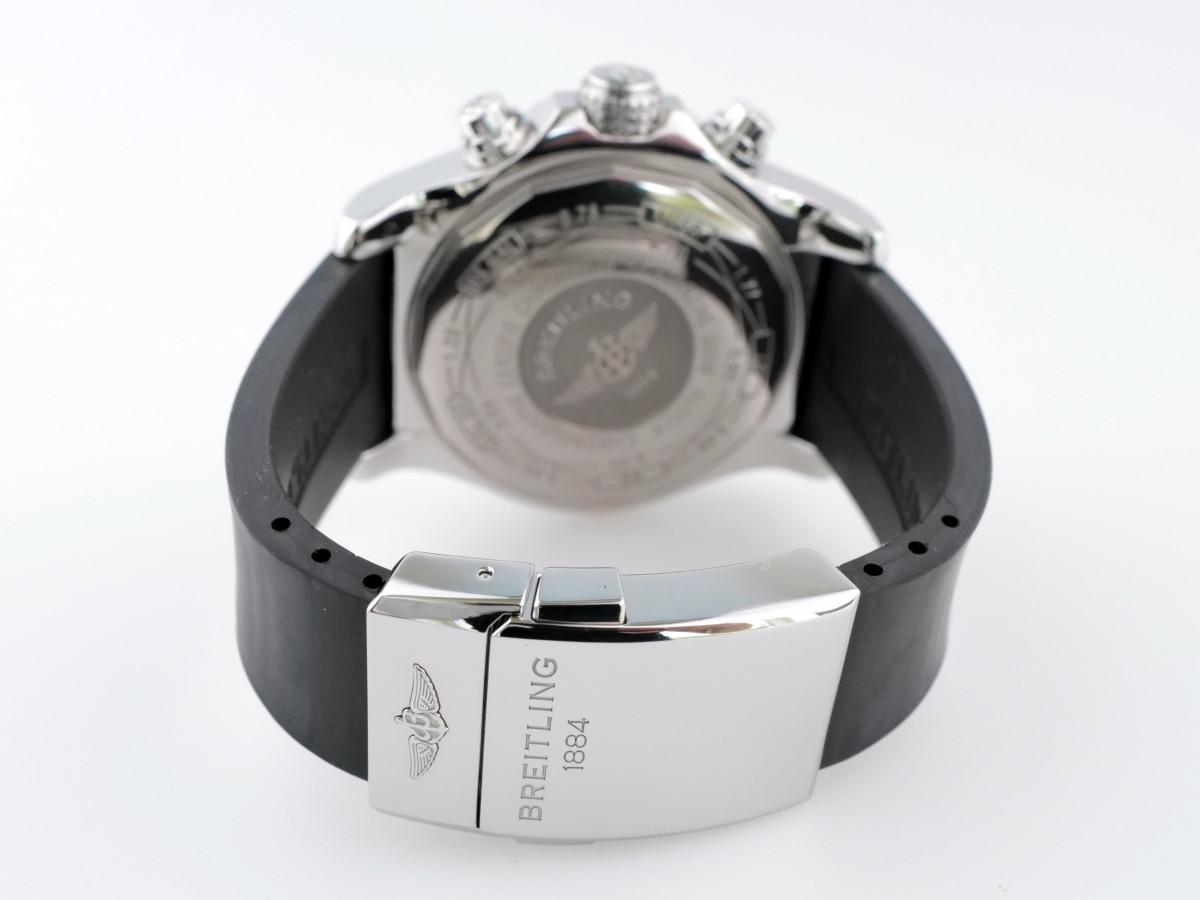 Швейцарские часы Breitling Super Avenger Black Dial Rubber Strap