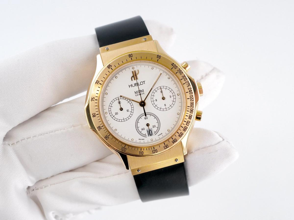 Швейцарские часы Hublot Classic MDM Chronograph 18K Gold