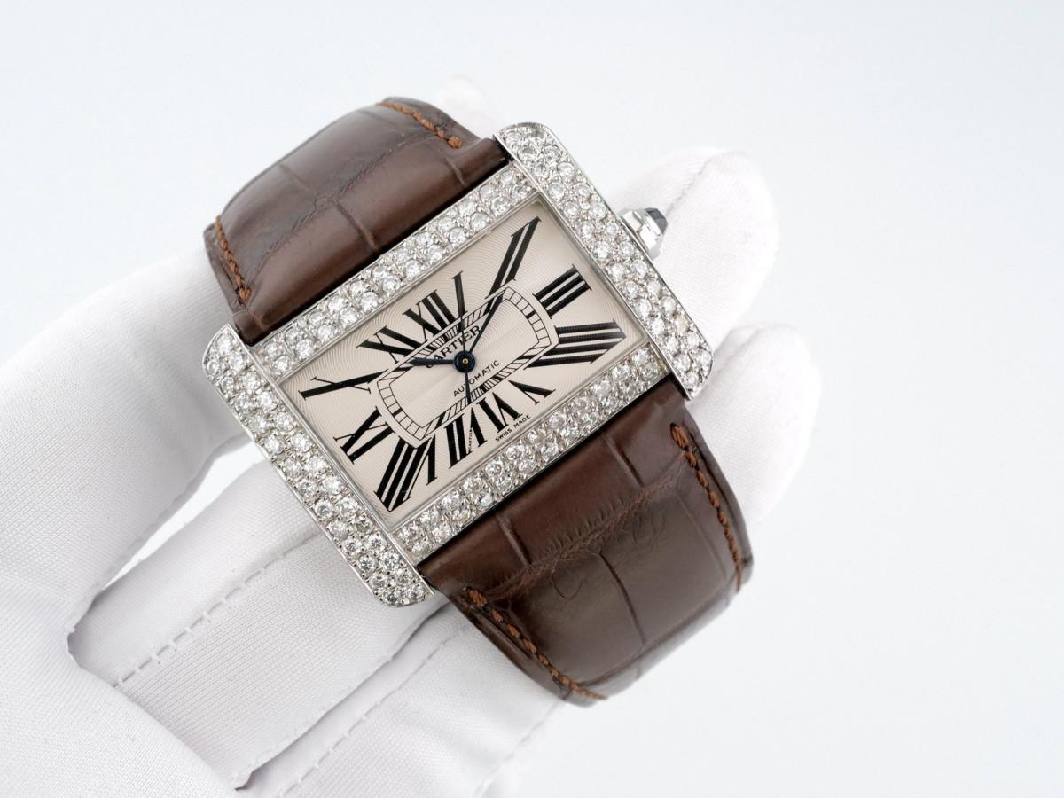Швейцарские часы Cartier Tank Divan Diamonds