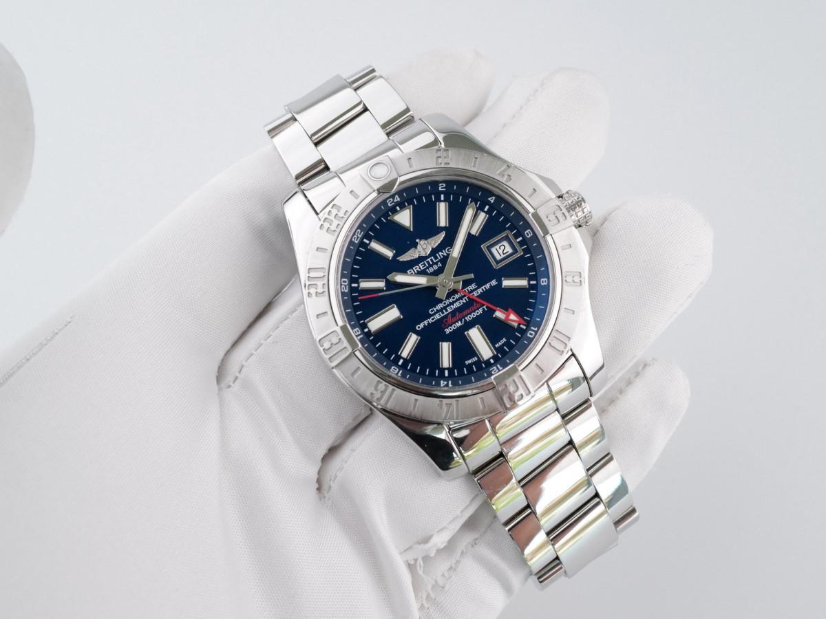 Швейцарские часы Breitling Avenger II GMT Automatic