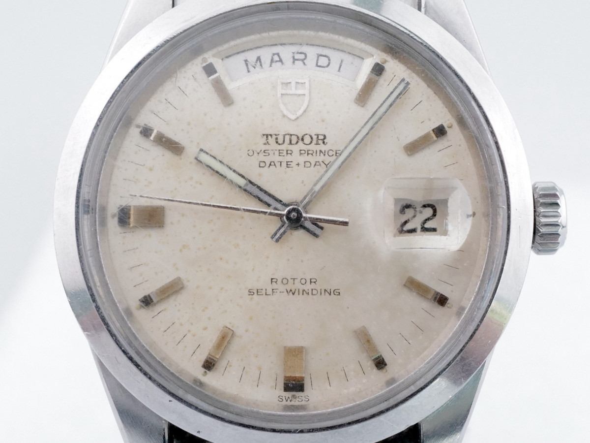 Швейцарские часы Tudor Day-Date Jumbo