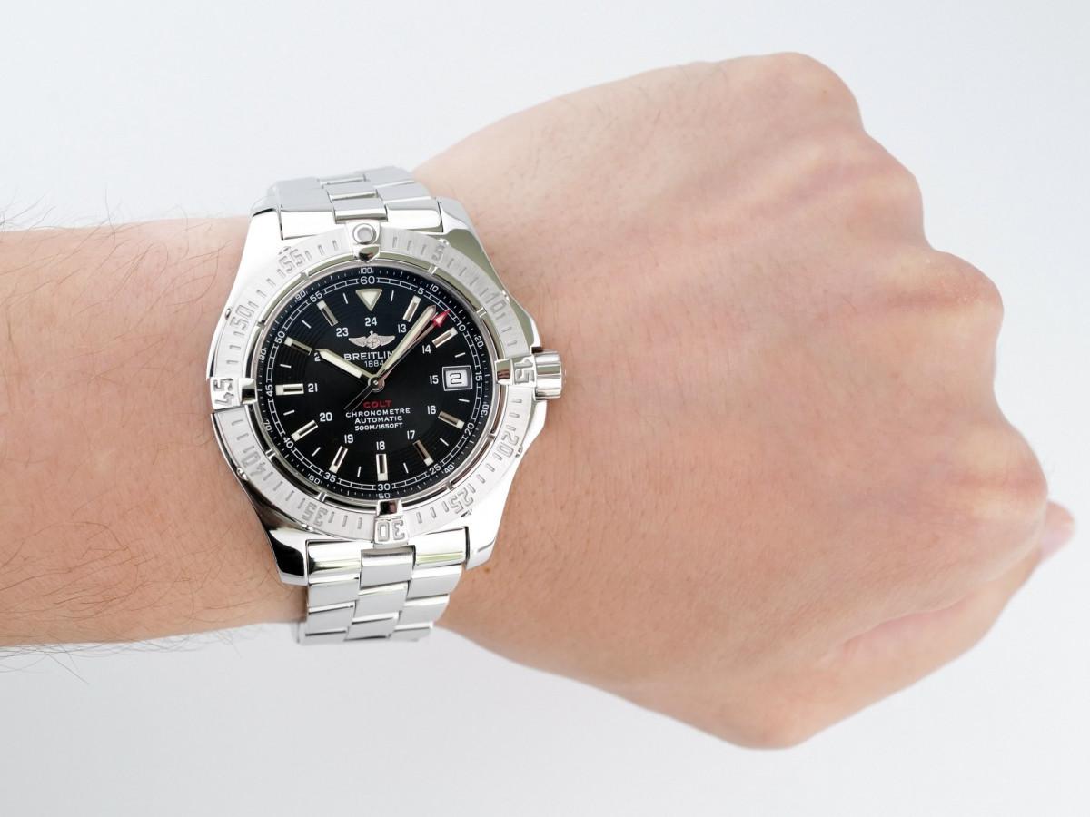 Швейцарские часы Breitling Aeromarine Colt