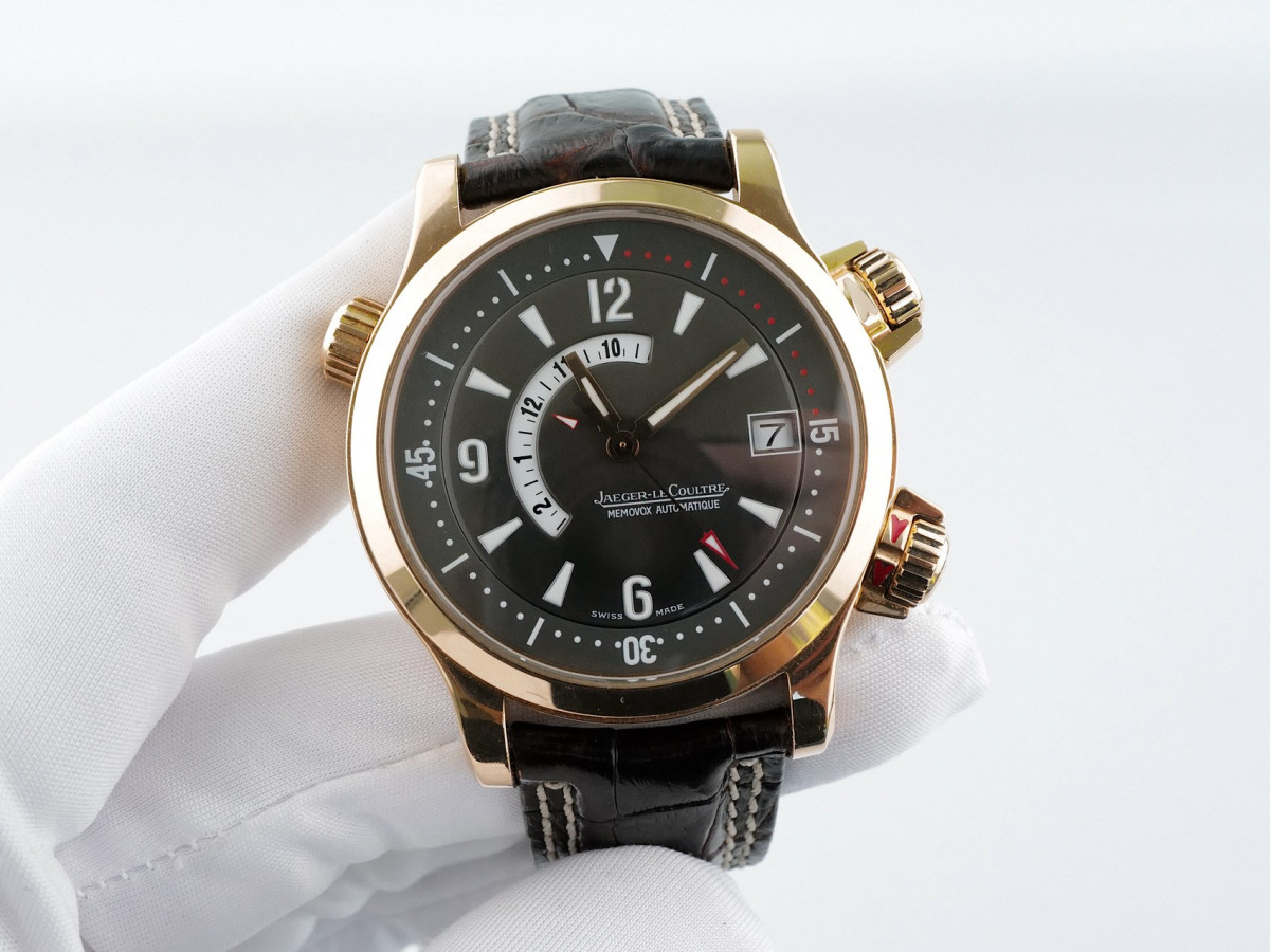 Швейцарские часы Jaeger LeCoultre Master Compressor Memovox