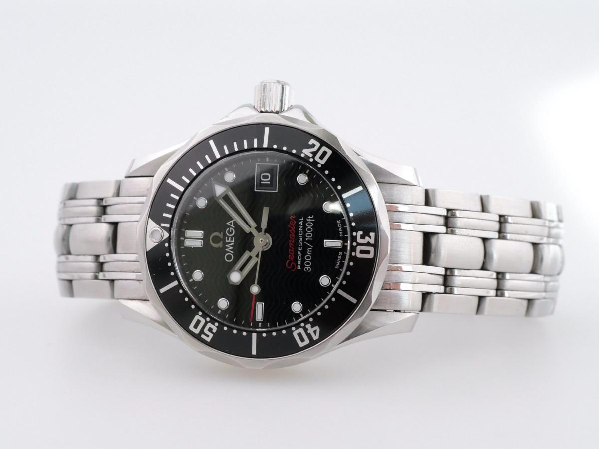 Швейцарские часы Omega Seamaster 300M Ladies Quartz 28