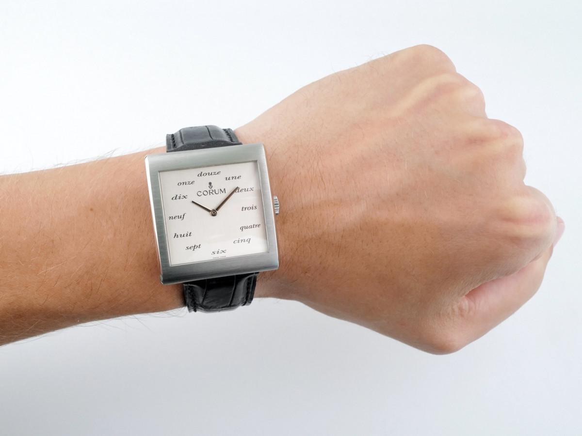 Швейцарские часы Corum Buckingham