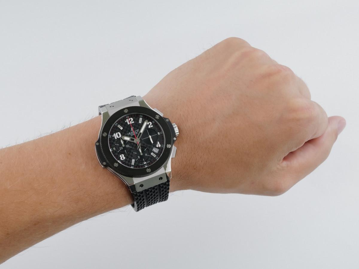 Швейцарские часы Hublot Big Bang 41 Automatic Chronograph Carbon Fiber Dial
